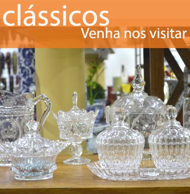 decore com peças tipo cristais de vidro, são jarras, vasos, bomboniere, castiçais